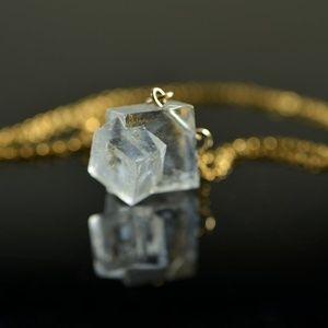 Statement Clear Salt Crystal Pendant Gold Necklace